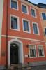 Fassade mit Beschriftung
